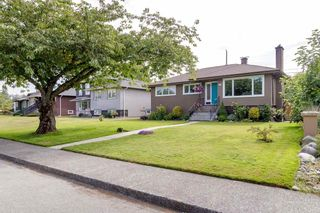 Photo 3: 4636 WESTLAWN Drive in Burnaby: Brentwood Park House for sale (Burnaby North)  : MLS®# R2486421