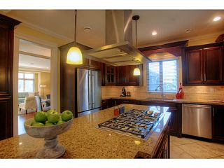 Photo 4: 662 CRYSTAL Court in North Vancouver: Canyon Heights NV House for sale : MLS®# V984105