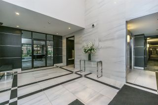 Photo 3: 302 15360 20 Avenue in Surrey: King George Corridor Condo for sale (South Surrey White Rock)  : MLS®# R2133201