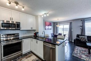 Photo 3: 525 EBBERS Way in Edmonton: Zone 02 House Half Duplex for sale : MLS®# E4241528