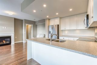 """Photo 5: 701 15333 16 Avenue in Surrey: Sunnyside Park Surrey Condo for sale in """"The Residence of Abby Lane"""" (South Surrey White Rock)  : MLS®# R2510169"""