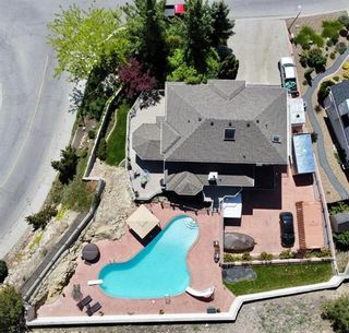 Photo 2: 2276 Lillooet Crescent, in Kelowna: House for sale : MLS®# 10232249
