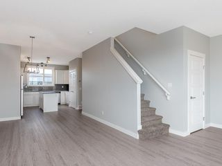 Photo 9: 56 SKYVIEW Circle NE in Calgary: Skyview Ranch Row/Townhouse for sale : MLS®# C4201040