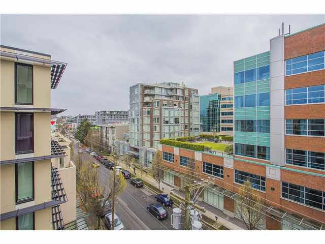 """Photo 14: Photos: 702 587 W 7TH Avenue in Vancouver: Fairview VW Condo for sale in """"AFFINITI"""" (Vancouver West)  : MLS®# V1118328"""