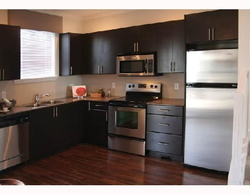 Main Photo: 1211 Ewen Ave in New Westminster: Townhouse for sale