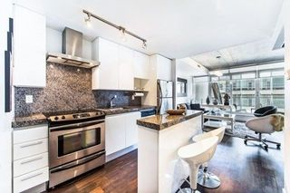 Photo 4: 406 75 Portland Street in Toronto: Waterfront Communities C1 Condo for lease (Toronto C01)  : MLS®# C4066882