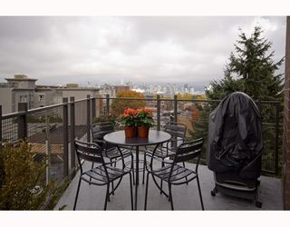 """Photo 4: 412 2635 PRINCE EDWARD Street in Vancouver: Mount Pleasant VE Condo for sale in """"SOMA LOFTS"""" (Vancouver East)  : MLS®# V793823"""