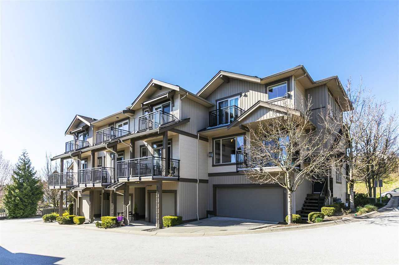 """Main Photo: 5 20326 68 Avenue in Langley: Willoughby Heights Townhouse for sale in """"SUNPOINTE"""" : MLS®# R2566107"""