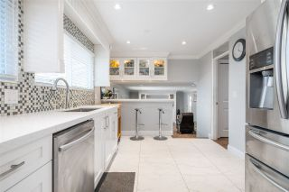 """Photo 15: 15667 101 Avenue in Surrey: Guildford House for sale in """"Somerset"""" (North Surrey)  : MLS®# R2481951"""