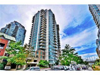 """Photo 1: 901 120 MILROSS Avenue in Vancouver: Mount Pleasant VE Condo for sale in """"THE BRIGHTON"""" (Vancouver East)  : MLS®# V976401"""