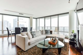 "Main Photo: 1902 1228 MARINASIDE Crescent in Vancouver: Yaletown Condo for sale in ""Crestmark II"" (Vancouver West)  : MLS®# R2502106"
