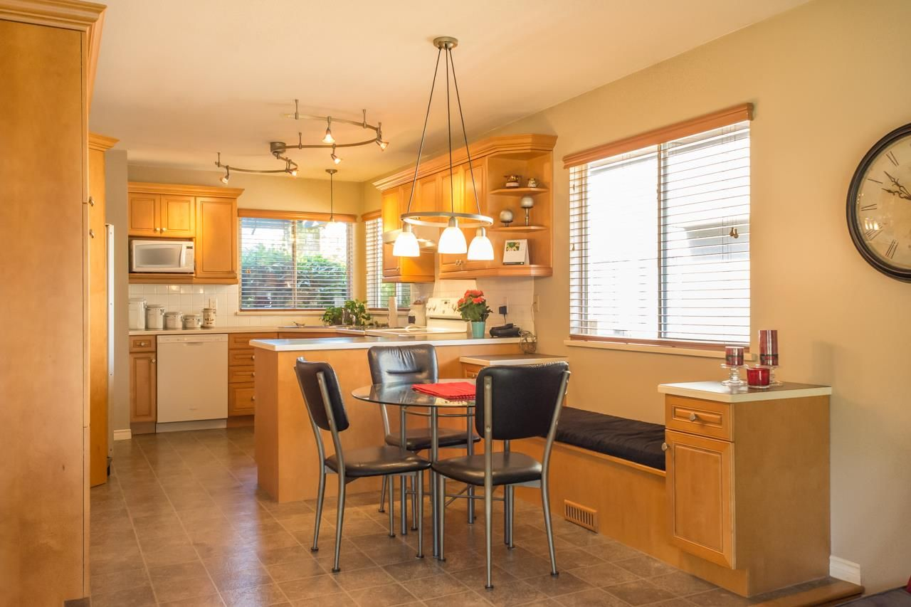 """Photo 8: Photos: 16329 79A Avenue in Surrey: Fleetwood Tynehead House for sale in """"Hazelwood Grove"""" : MLS®# R2186258"""