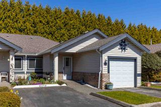 """Photo 2: 8 5550 LANGLEY Bypass in Langley: Langley City Townhouse for sale in """"RIVERWYNDE"""" : MLS®# R2565492"""