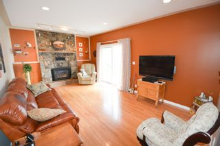 Photo 14: 13204 Lakeshore Drive in Charlie Lake: House for sale