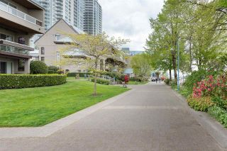 """Photo 17: 305 5 K DE K Court in New Westminster: Quay Condo for sale in """"Quayside Terrace"""" : MLS®# R2366534"""
