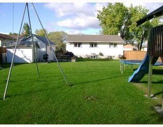 Photo 10: 228 GRASSIE Boulevard in WINNIPEG: North Kildonan Residential for sale (North East Winnipeg)  : MLS®# 2918390