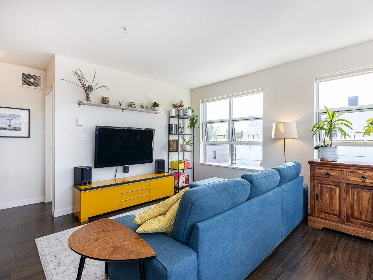 Photo 2: Photos: 306 202 E 24TH AVENUE in Vancouver: Main Condo for sale (Vancouver East)  : MLS®# R2406713