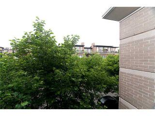 """Photo 10: 302 2161 W 12TH Avenue in Vancouver: Kitsilano Condo for sale in """"CARLINGS"""" (Vancouver West)  : MLS®# V909987"""