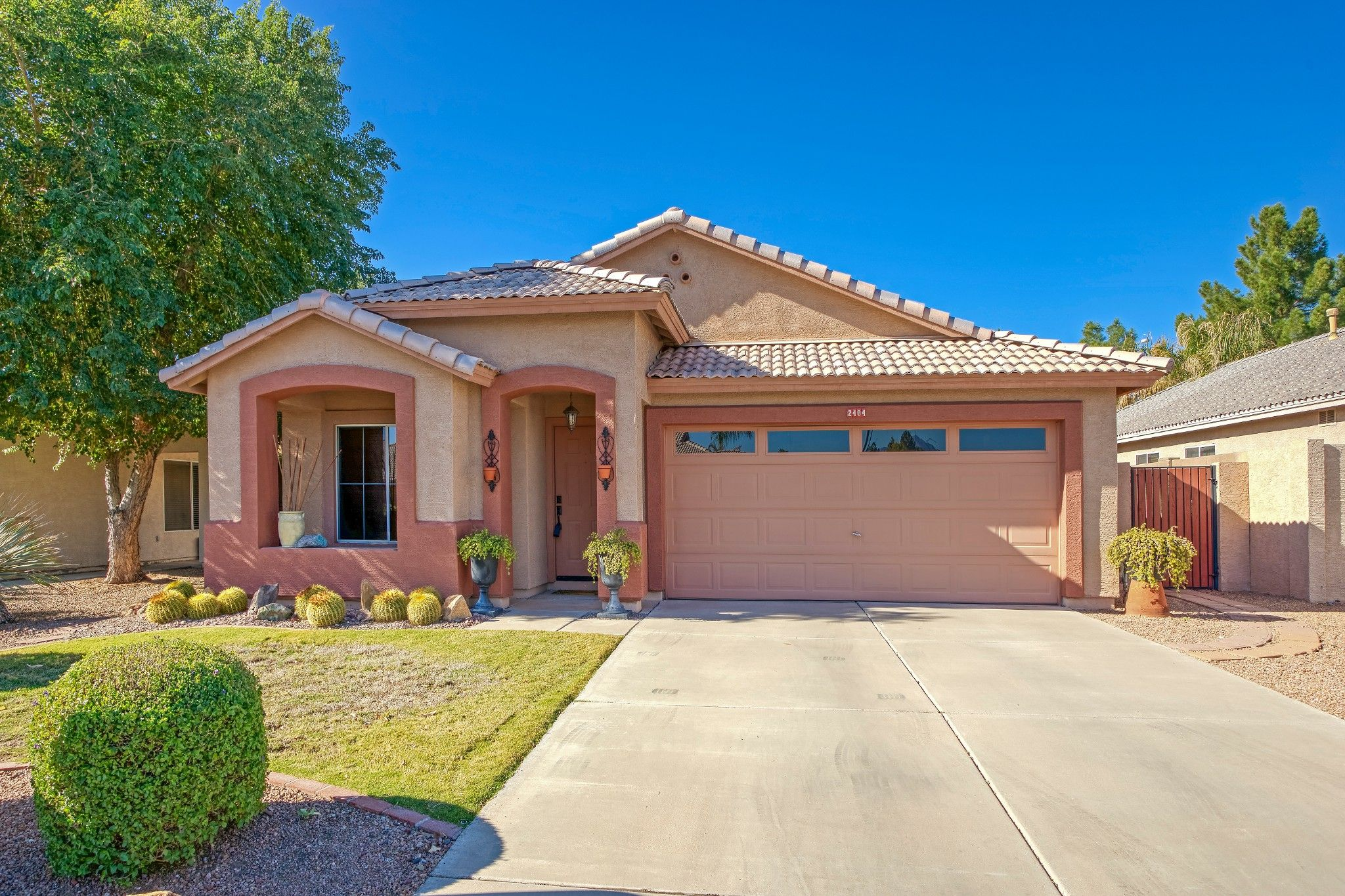 Main Photo: 2404 S Bernard in Mesa: Augusta Ranch House for sale (East Valley)  : MLS®# 6167737