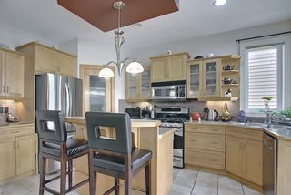 Photo 7: 34 Crestmont Drive SW in Calgary: Crestmont Detached for sale : MLS®# A1119055