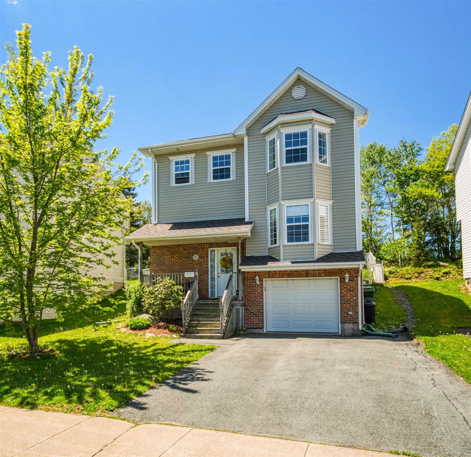 Main Photo: 111 Green Village Lane in Dartmouth: 12-Southdale, Manor Park Residential for sale (Halifax-Dartmouth)  : MLS®# 202114071