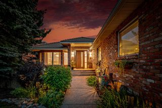 Main Photo: 43 Coach Gate Way SW in Calgary: Coach Hill Detached for sale : MLS®# A1139928