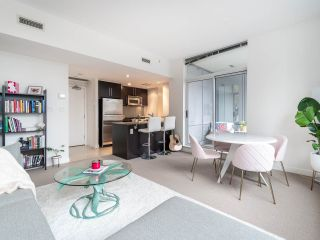 Photo 6: 1106 638 BEACH CRESCENT in Vancouver: Yaletown Condo for sale (Vancouver West)  : MLS®# R2499986