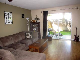 """Photo 2: 4 22411 124 Avenue in Maple Ridge: East Central Townhouse for sale in """"CREEKSIDE VILLAGE"""" : MLS®# R2287329"""