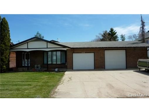 Main Photo: 2006 Central Avenue: Laird Single Family Dwelling for sale (Saskatoon NW)  : MLS®# 430797