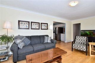 Photo 5: 218 Davidson Street in Pickering: Rural Pickering House (Bungalow) for sale : MLS®# E4045876