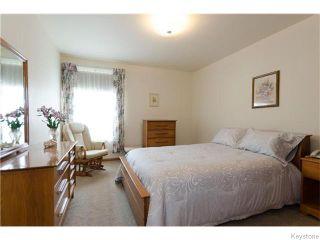 Photo 8: 489 Daer Boulevard in Winnipeg: Westwood / Crestview Residential for sale (West Winnipeg)  : MLS®# 1609886