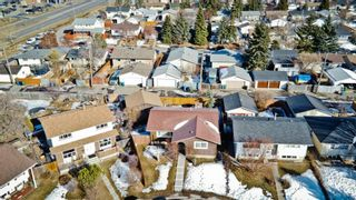 Photo 6: 6132 Penworth Road SE in Calgary: Penbrooke Meadows Detached for sale : MLS®# A1078757