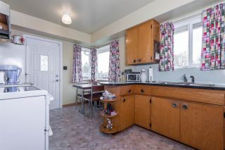 Photo 5: 1801 WOODVALE Avenue in Coquitlam: Central Coquitlam House for sale : MLS®# R2057117
