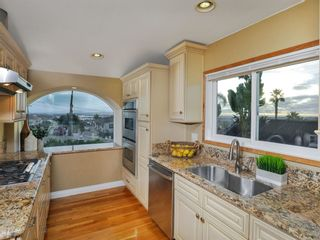 Photo 6: CLAIREMONT House for sale : 3 bedrooms : 3360 Mt. Laurence Drive in San Diego