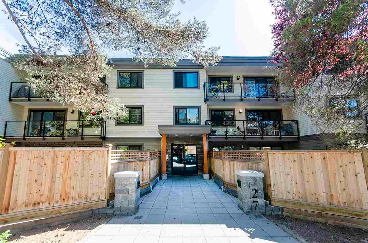 """Main Photo: 204 327 W 2ND Street in North Vancouver: Lower Lonsdale Condo for sale in """"Somerset Manor"""" : MLS®# R2589044"""