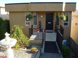 Photo 1: 15074 ROYAL Avenue: White Rock House for sale (South Surrey White Rock)  : MLS®# F1021776