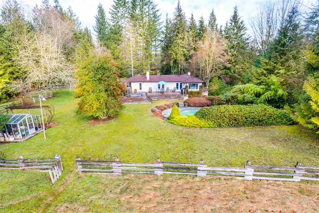 Main Photo: 27970 110 Ave in Maple Ridge: Whonnock House for sale : MLS®# R2498720