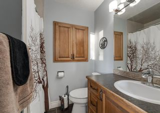 Photo 21: 563 Woodpark Crescent SW in Calgary: Woodlands Detached for sale : MLS®# A1095098