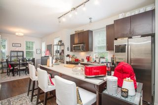 """Photo 6: 21 19538 BISHOPS REACH in Pitt Meadows: South Meadows Townhouse for sale in """"Turnstone"""" : MLS®# R2617957"""