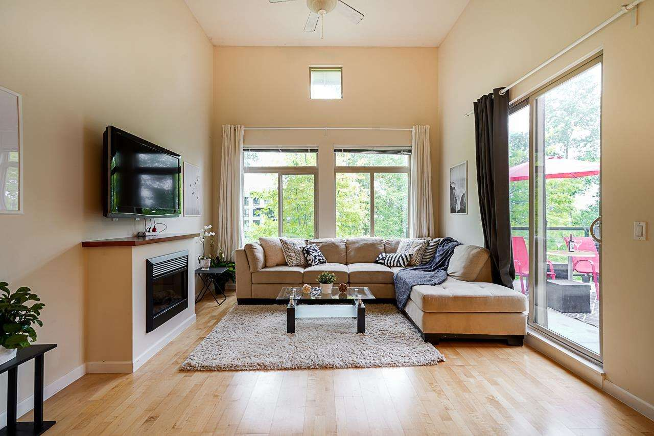 """Main Photo: 424 10180 153 Street in Surrey: Guildford Condo for sale in """"Charleton Park"""" (North Surrey)  : MLS®# R2582577"""