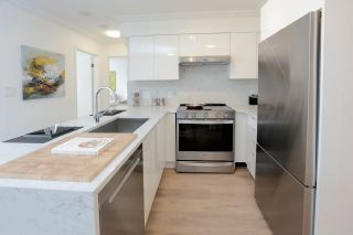 """Photo 1: 602 488 HELMCKEN Street in Vancouver: Yaletown Condo for sale in """"Robinson Tower"""" (Vancouver West)  : MLS®# R2602761"""