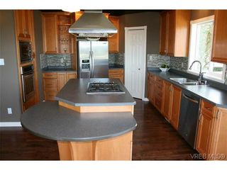 Photo 5: 507 Outlook Pl in VICTORIA: Co Triangle House for sale (Colwood)  : MLS®# 607233