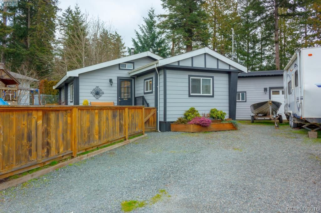 Main Photo: 2463 Selwyn Rd in VICTORIA: La Thetis Heights House for sale (Langford)  : MLS®# 810897