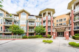 """Photo 1: 407 14 E ROYAL Avenue in New Westminster: Fraserview NW Condo for sale in """"Victoria Hill"""" : MLS®# R2280789"""