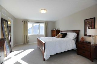 Photo 4: 250 Schreyer Crest in Milton: Harrison House (2-Storey) for sale : MLS®# W3367675