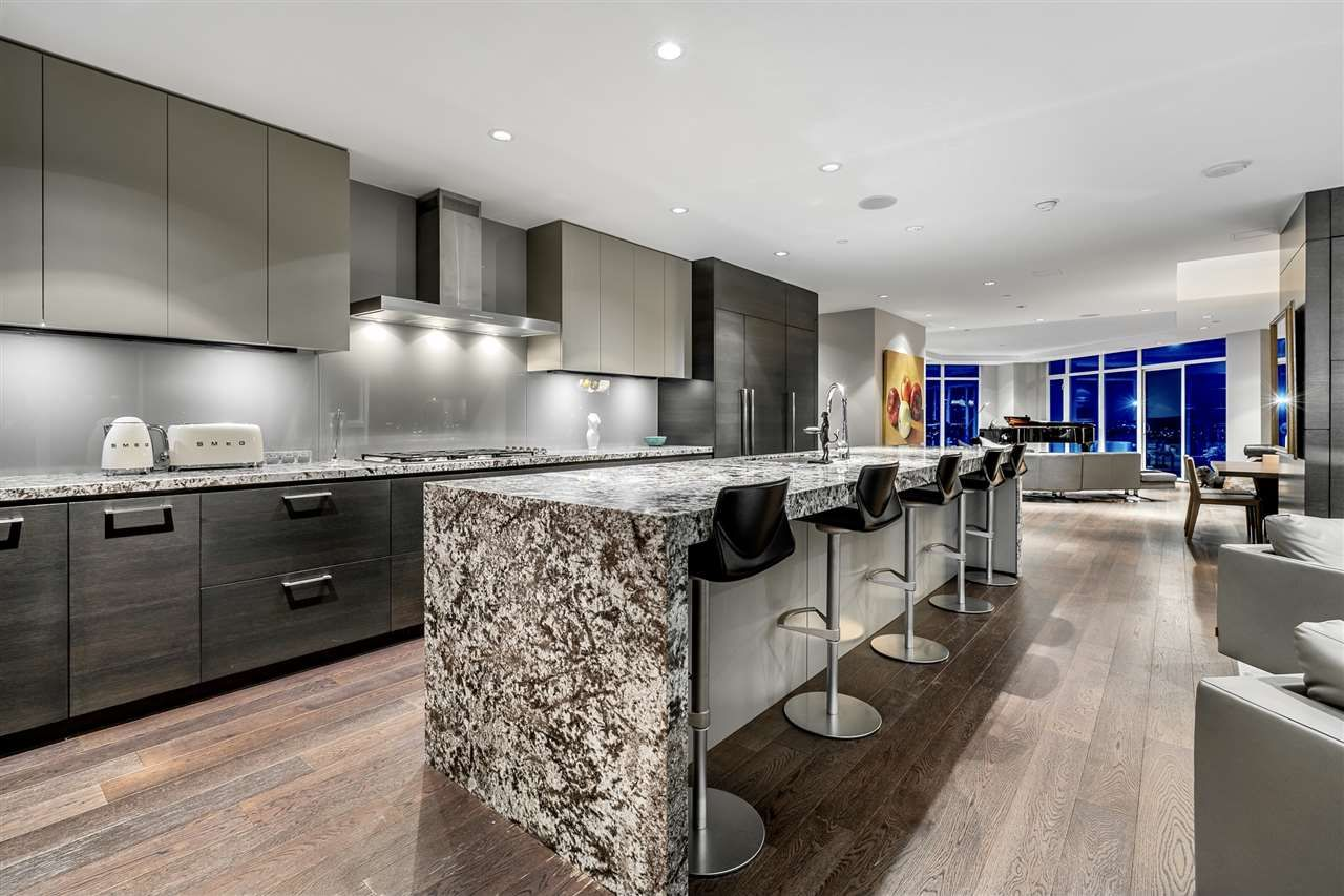 """Photo 11: Photos: 4601 1372 SEYMOUR Street in Vancouver: Downtown VW Condo for sale in """"The Mark"""" (Vancouver West)  : MLS®# R2553966"""