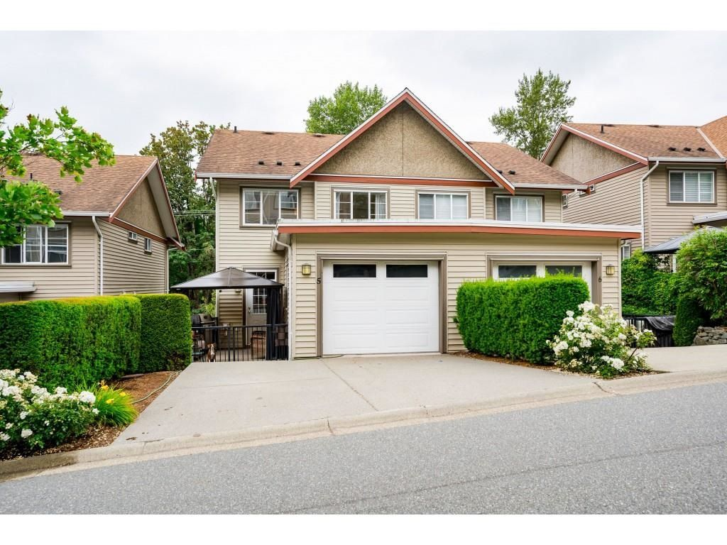 """Main Photo: 5 35626 MCKEE Road in Abbotsford: Abbotsford East Townhouse for sale in """"Ledgeview Villas"""" : MLS®# R2597933"""