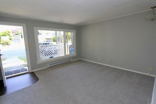 Photo 2: 23 Albion St in Nanaimo: Na South Nanaimo Full Duplex for sale : MLS®# 880003