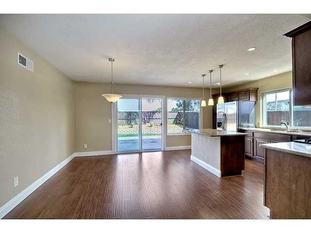 Photo 5: Photos: MIRA MESA House for sale : 3 bedrooms : 9076 Kirby Court in San Diego