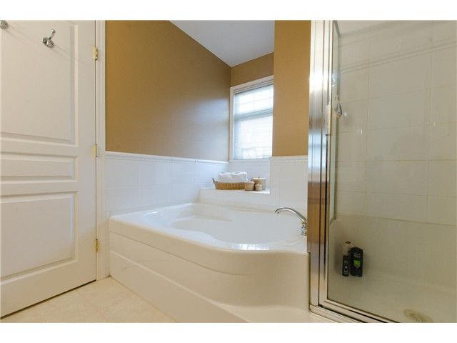 """Photo 14: Photos: 7548 147A Street in Surrey: East Newton House for sale in """"Chimney Heights"""" : MLS®# F1440395"""